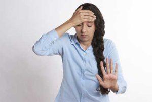 क्या है थयरॉइड - थाइरॉयड बीमारी होने के संकेत व लक्षण